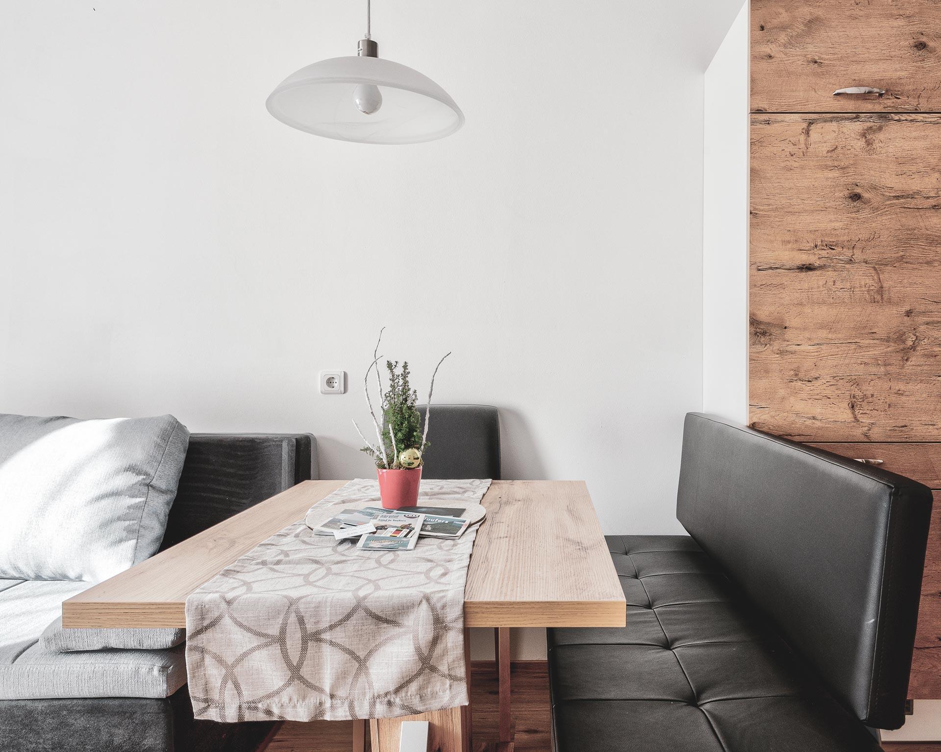 wohnküche esstisch appartement kematen pfarrwirt sand in taufers