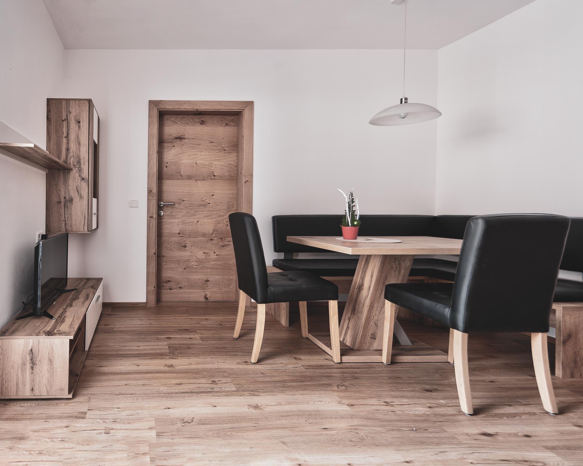 esstisch wohnkueche appartement ahrntal pfarrwirt sand in taufers