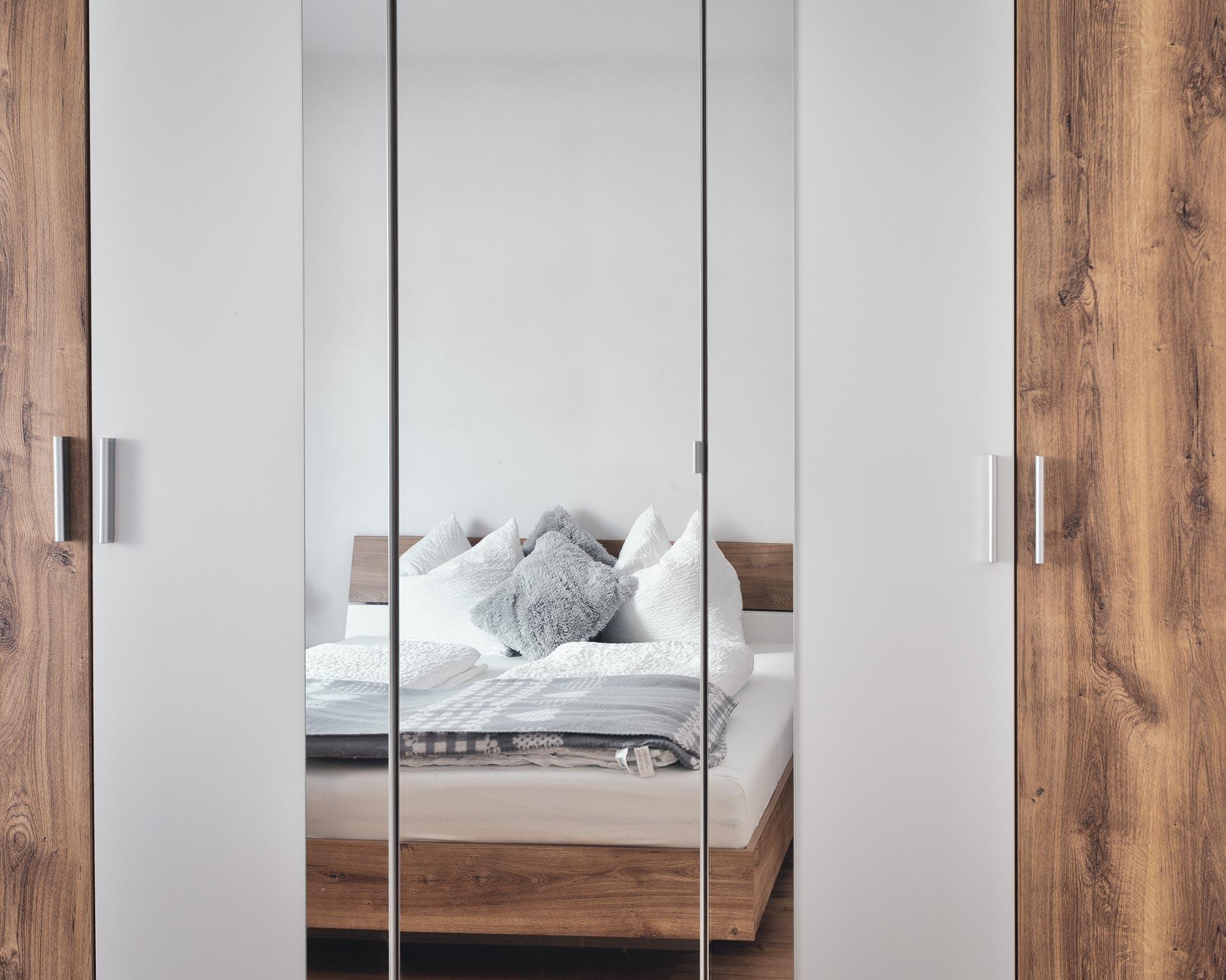 schlafzimmer schrank appartement ahrntal pfarrwirt sand in taufers