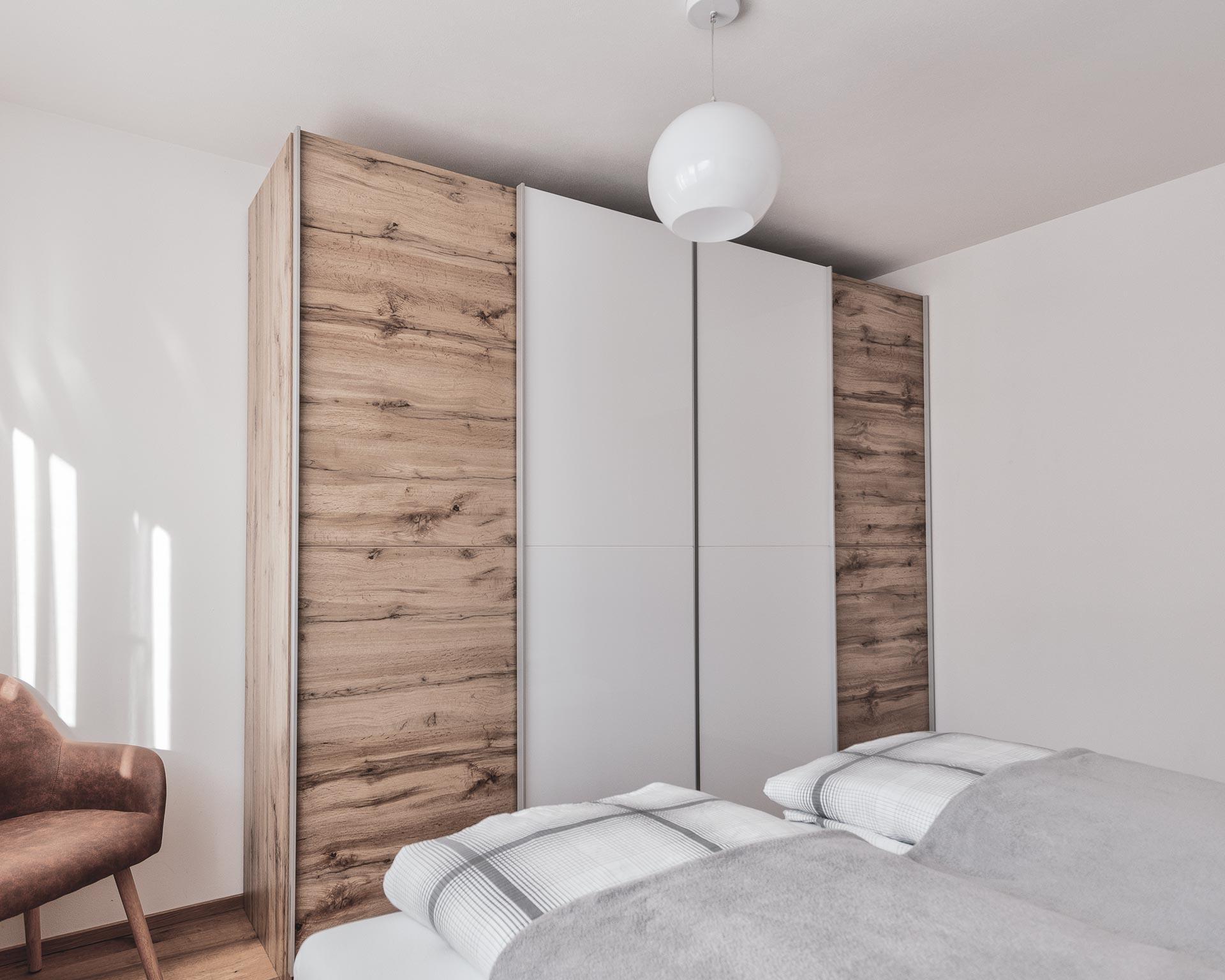 schrank schlafzimmer chalet waldblick 2 appartements pfarrwirt sand in taufers