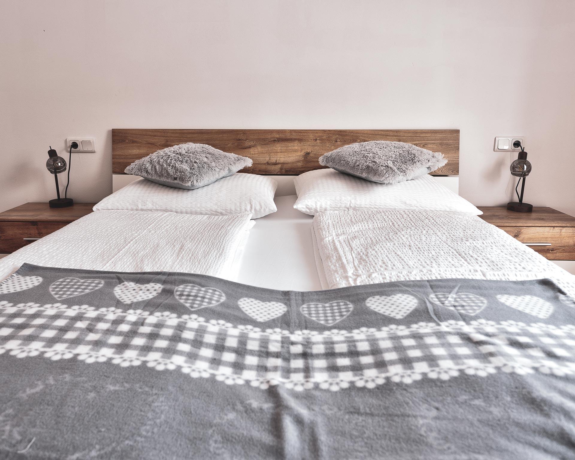 bett schlafzimmer ahrntal appartement pfarrwirt sand in taufers