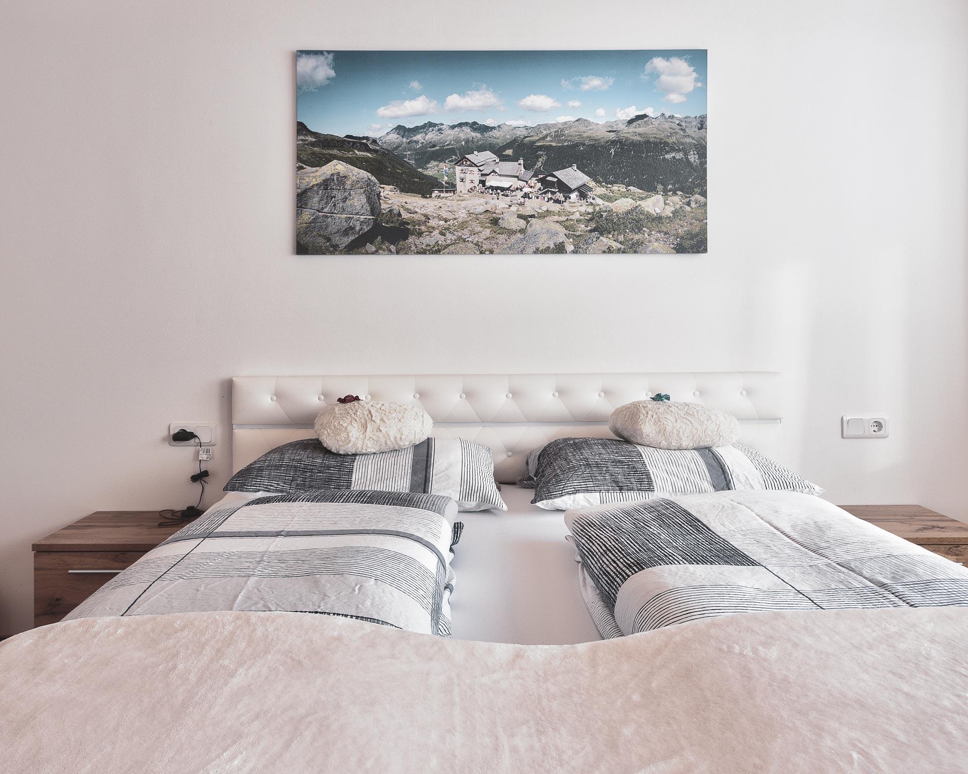 betten schlafzimmer chalet waldblick 1 appartements pfarrwirt sand in taufers